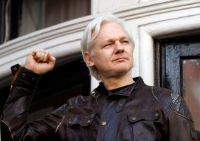 ap-julian-assange-jc-170519