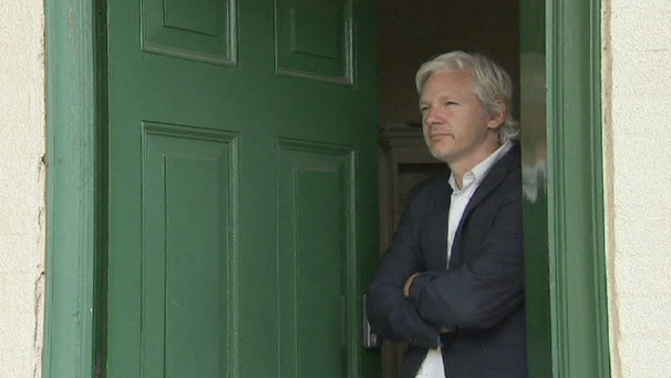 1706-ASSANGE-House-Arrest